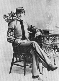 Douglas MacArthur 1890s.jpg
