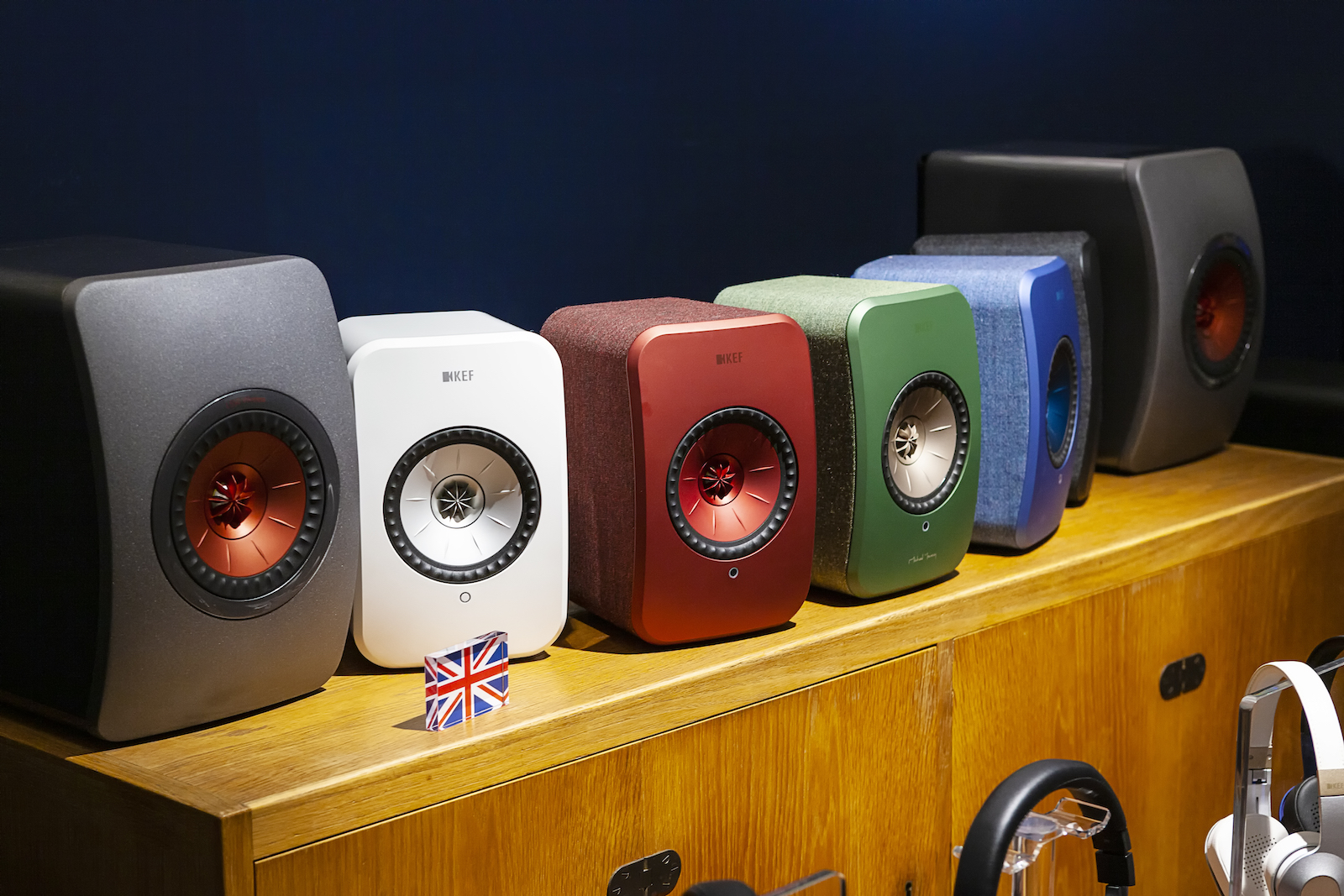 speakers10.jpg