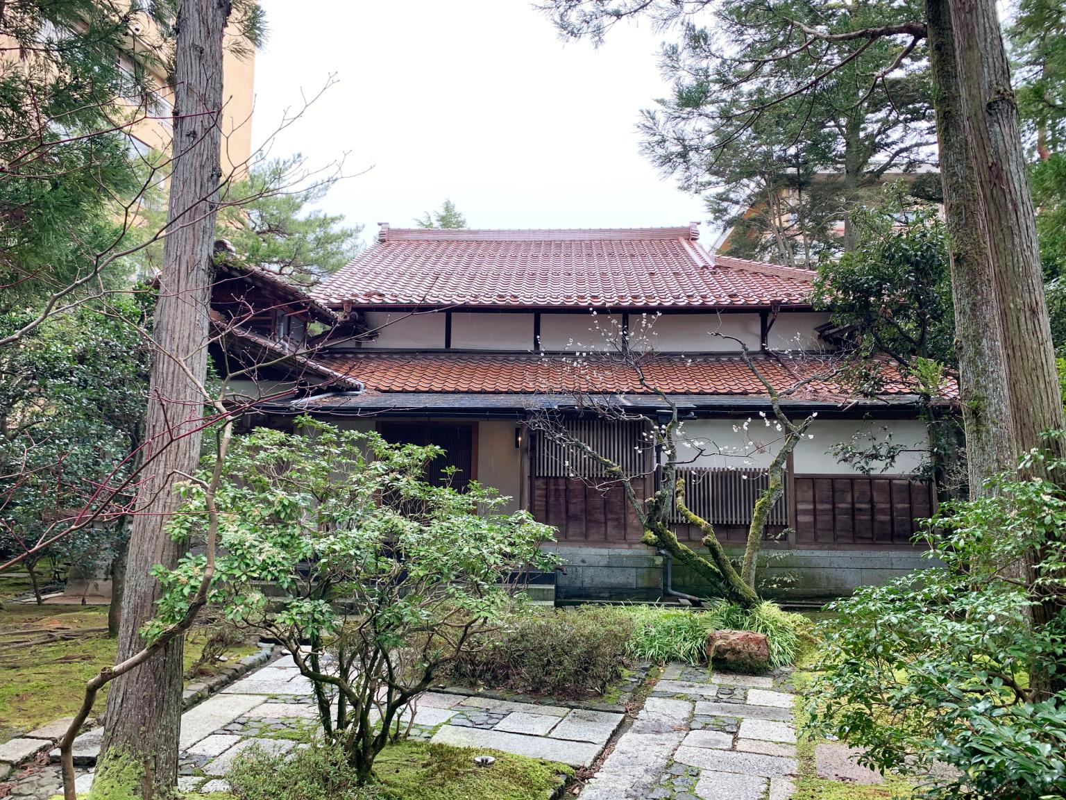 Houshi-Ryokan-onsen-hotel-oldest-in-world-Japan-business-travel-Hoshi-accommodation-stay-photos-reviews-Ishikawa-28.jpg