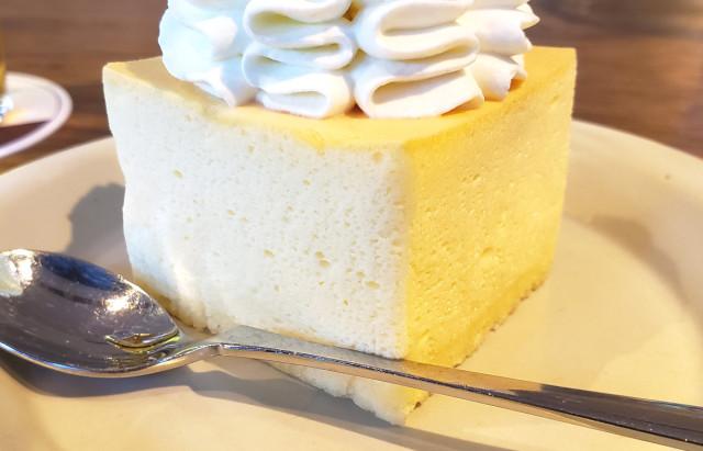 japanese-cheesecake-phantom-sweets-criollo-japan-desserts-cafes-best-top-ranking-foodie-reviews-food-taste-test-travel-news-4.jpg