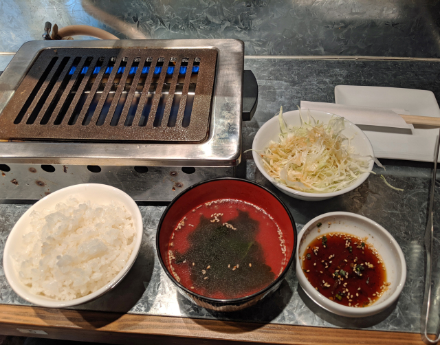 all-you-can-eat-yakiniku-japanese-bbq-tokyo-japan-shinjuku-gyoen-park-food-best-lunch-deals-restaurant-review-ranking-taste-test-photos-4.jpg