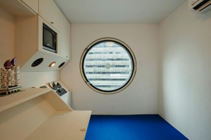 nakagin_interior.jpg