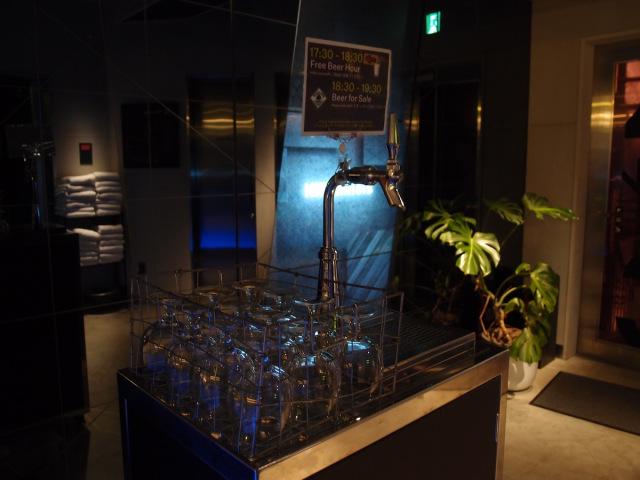 the-millenials-shibuya-capsule-hotel-tokyo-japan-cheap-hotels-hostels-budget-accommodation-best-deals-japanese-travel-free-beer-13.jpg