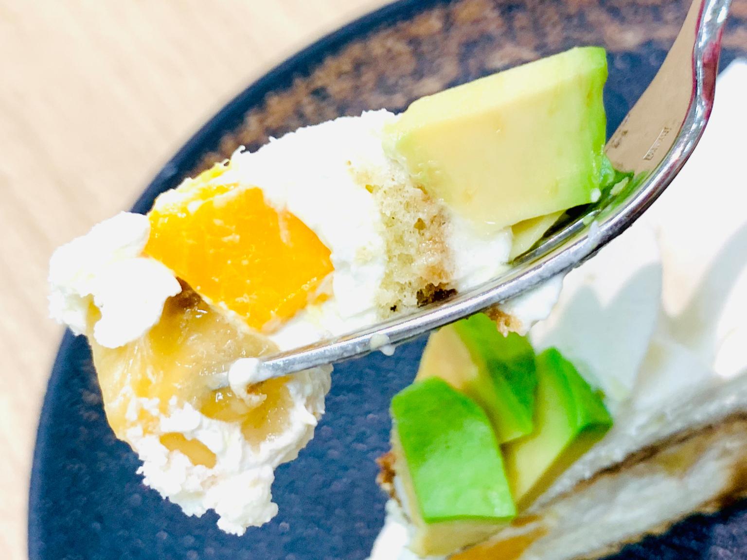 Avocado-tiramisu-cake-comme-ca-Japanese-sweets-Tokyo-cafe-food-desserts-Japan-review-photos-4.jpg