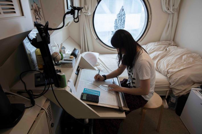 2_interior_nakagin.jpg