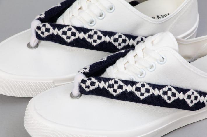 geta-sneakers-closeu.jpg