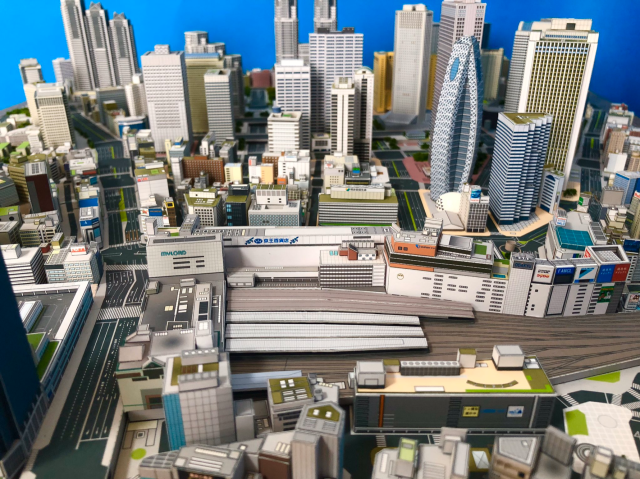 shinjuku-model-papercraft-wow-tokyo-scale-architecture-high-rise-skyscrapers-travel-art-construction-design-city-planning-2.png