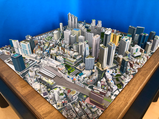 shinjuku-model-papercraft-wow-tokyo-scale-architecture-high-rise-skyscrapers-travel-art-construction-design-city-planning-3.png